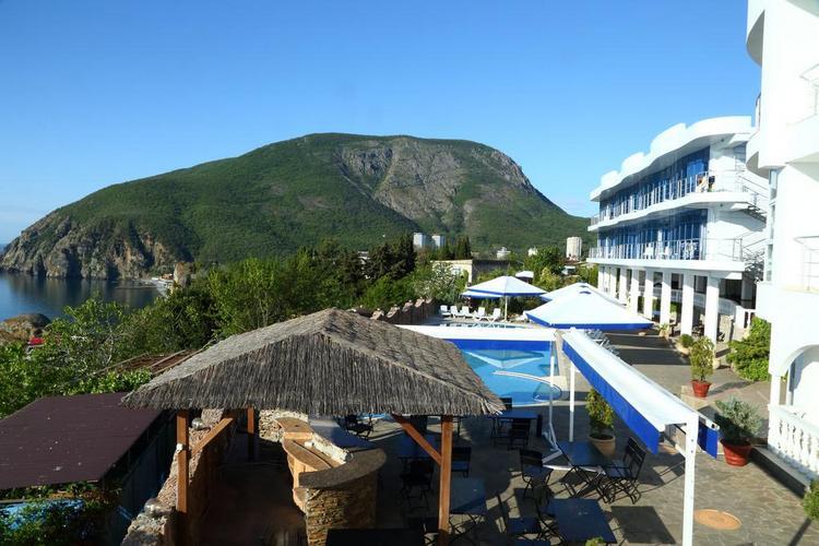 """Отель с бассейном """"Маджестик"""" Все включено в Крыму"""