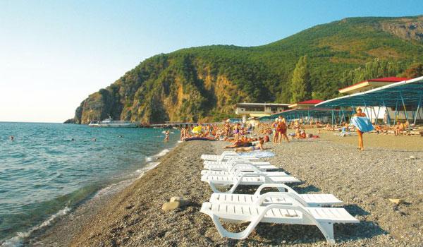 Отель «Маджестик» в Крыму: пляж