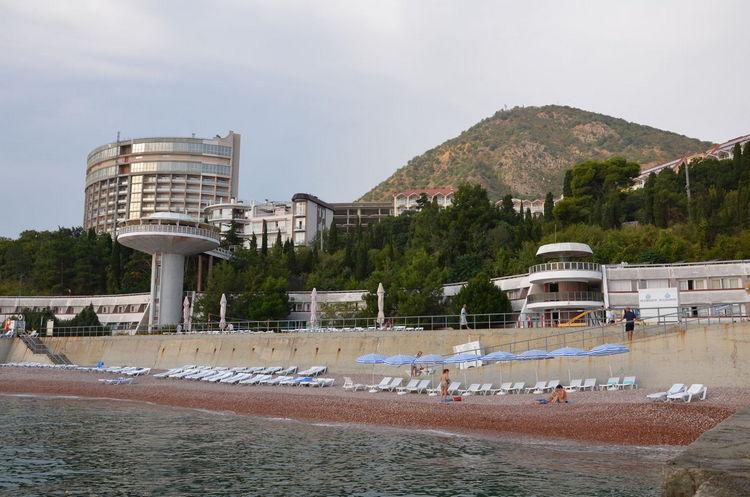 """Отель Блюмарин """"все включено"""" в Алуште: пляж"""