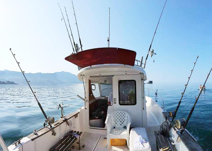 Рыбалка с катера в Алуште